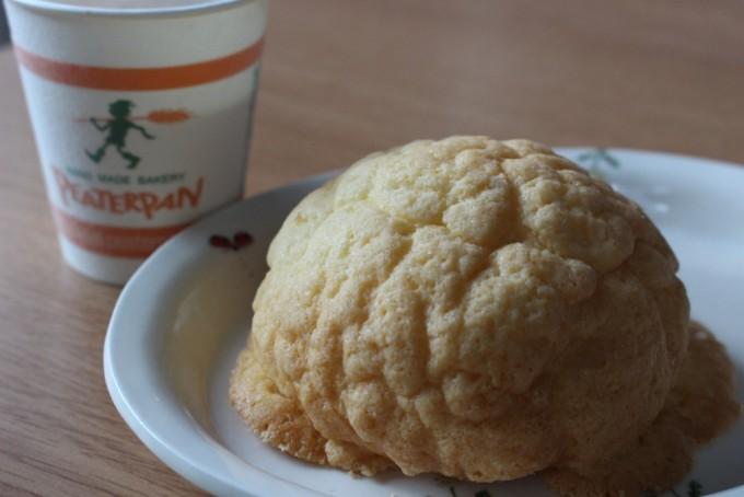 ピーターパンのメロンパンとコーヒー
