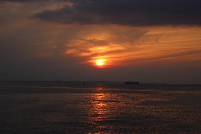 金谷港からの夕日