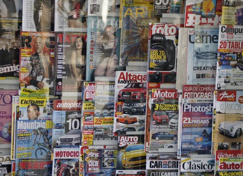 雑誌のイメージ画像